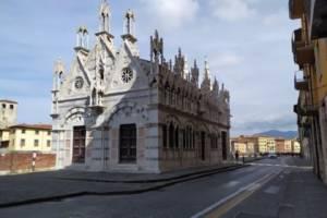 Chiesa-santa-maria-della-spina-300x200